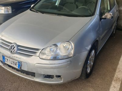 usata VW Golf V 1.9 Tdi