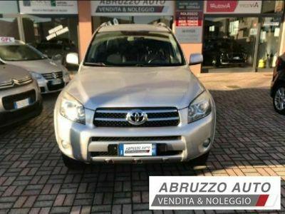 usata Toyota RAV4 2.2 d-4d Luxury KM 150.000