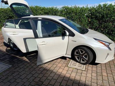 usata Toyota Prius 2016