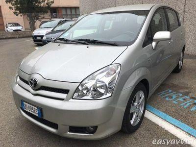 usata Toyota Corolla Verso 2.2 16V D-4D Sol usato