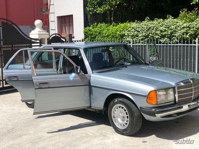 gebraucht Mercedes 240 modello w123
