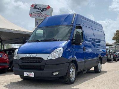 usata Iveco Daily 35 s 14 furgone tetto alto metano