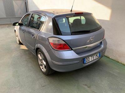 begagnad Opel Astra 3ª serie - 2007