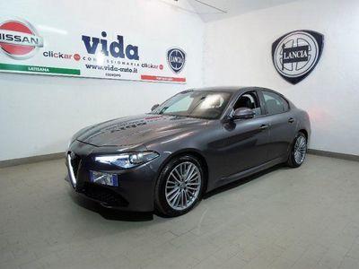 "usata Alfa Romeo Giulia 2.2 TURBODIESEL 180 CV AT8 SUPER XENO LED LEGA 18"""