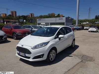 usata Ford Fiesta 1.4 5p. Bz.- GPL Titanium