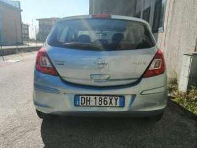 usata Opel Corsa 1.4 16V 5 porte Cosmo Benzina
