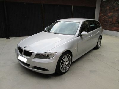 usata BMW 320 d Touring Eletta automatica