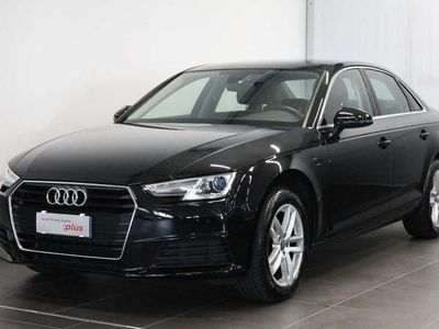 used Audi A4 2.0 TDI 150 CV S tronic Business del 2018 usata a Lucca
