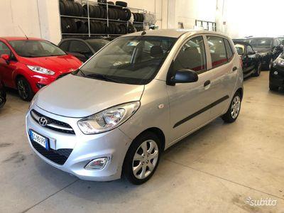 used Hyundai i10 1.0 benz *UNICO PROPRIETARIO