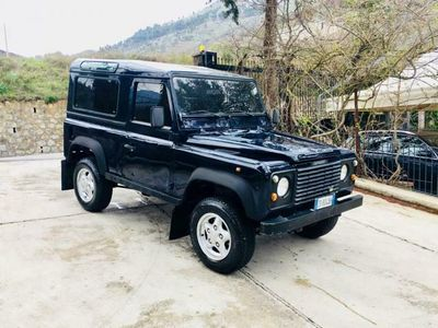 usata Land Rover Defender 90 2.0i