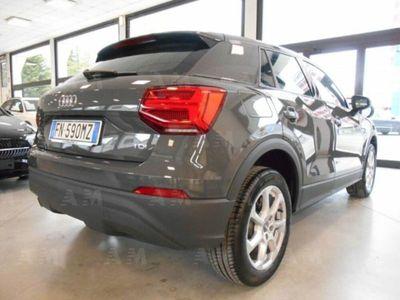 """gebraucht Audi Q2 1.6 TDI Navi-LED-Cerchi 17""""-Sensori Parcheggio"""