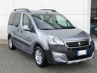 used Peugeot Partner BlueHDi 120 S&S Outdoor del 2015 usata a Rende
