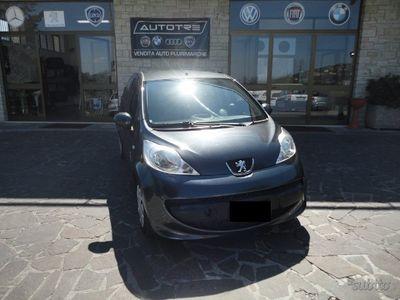 usado Peugeot 107 1.4 hdi 5p. neo patentati