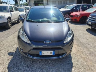 used Ford Fiesta 1.4 5 porte Bz.- GPL Titanium del 2010 usata a Massarosa