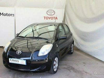 usata Toyota Yaris 1.0 5 porte Now
