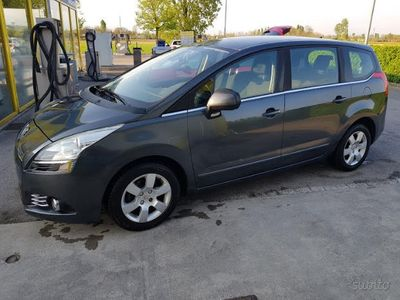 usado Peugeot 5008 1.6 hdi 7 posti bella