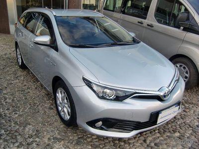 używany Toyota Auris Touring Sports 1.8 Hybrid Style