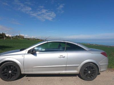 usado Opel Astra Cabriolet TwinTop 1.9 CDTI Cosmo