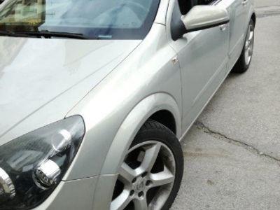 usado Opel Astra Astra1.9 Tdi 150 cv Cosmo Km. certificati