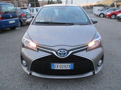 usata Toyota Yaris Hybrid Style 32.000 km