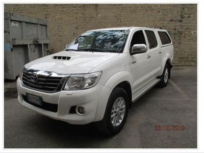 used Toyota HiLux Pick-up 2.5 D-4D 4WD 4p. DC Stylex del 2014 usata a Crotone