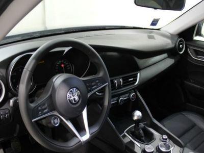 usado Alfa Romeo Giulia 2.2 TURBO MT6 150CV SUPER
