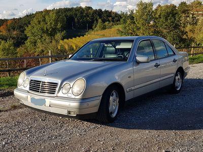 usata Mercedes E200 Elegance