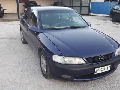 usado Opel Vectra 1.8i 16V 4 porte Class