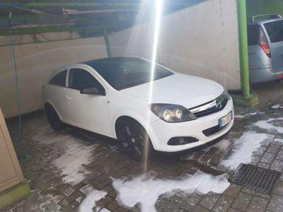 usata Opel Astra GTC 1.9 CDTI 120CV 3 porte Cosmo