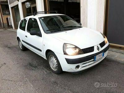 usata Renault Clio Van anno 2003