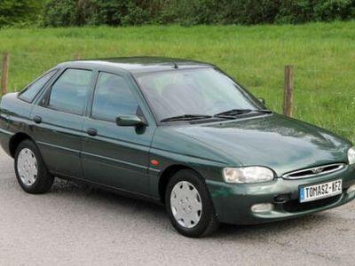 usata Ford Escort Ghia 1.6 16V 1998 Benzina e GPL