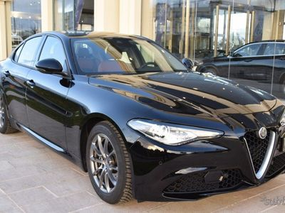 usado Alfa Romeo Giulia 2.2 Turbodiesel 180 CV AT8 Super navi led 9.609 km