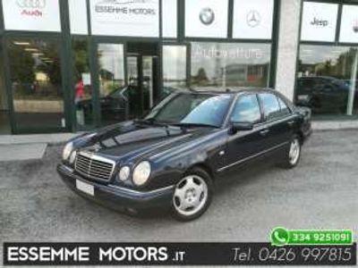 usata Mercedes E200 Avantgarde Imp. Metano Benzina