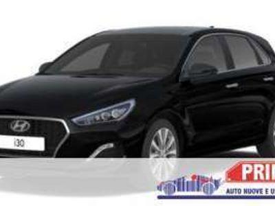 usata Hyundai i30 1.4 s & s P.sen shzg Klimaauto alu16 Radio BTH Saf