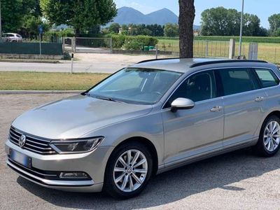 usata VW Passat Variant 2.0 TDI 150 CV DSG Business Blue