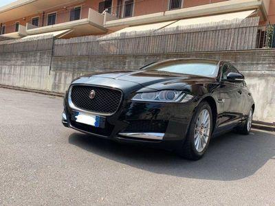 usata Jaguar XF 2.0 D 180 CV Pure Business