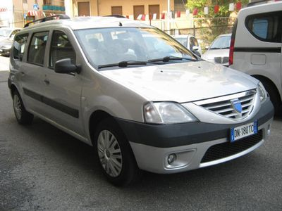usata Dacia Logan MCV 1.6 7 posti AUTOEMILIA