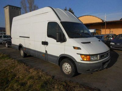 usata Iveco Daily Daily35S15D 2.8 TDI PL-DC Cab.