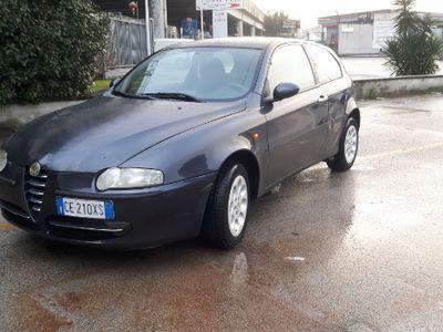 usata Alfa Romeo 147 1.6 benzina con impianto GPL anno 2