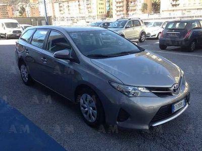 usata Toyota Auris Station Wagon Touring Sports 1.D-4D Active usato