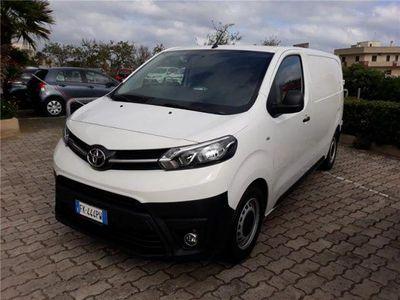 używany Toyota Proace 1.6D 115CV S&S PL-TN Furgone 3p.10q Comfort del 2017 usata a Bari