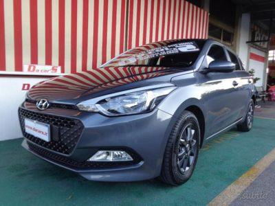 usata Hyundai i20 1.2 84 CV 5 p.EURO 6b Blackline 46 mes