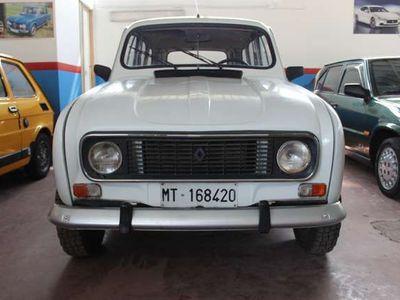 usata Renault R4 -