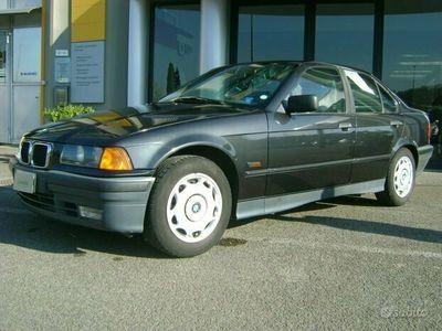 usata BMW 318 318 i 4 porte
