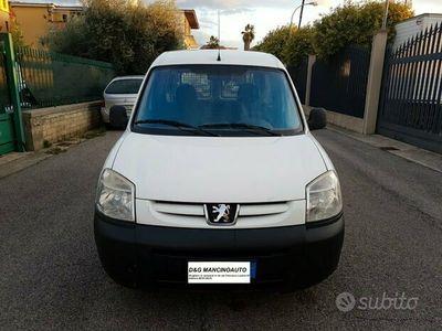 usata Peugeot Partner 1.4 METANO ANNO 2009