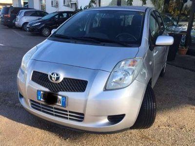 usata Toyota Yaris 1.0 5 porte GPL
