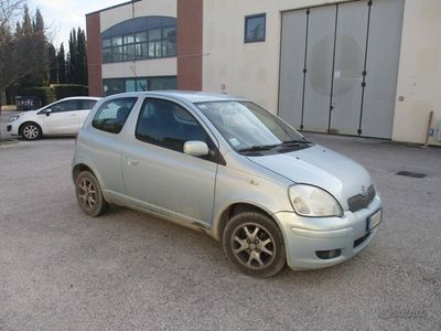 usata Toyota Yaris 1.3 Sol