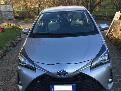 usata Toyota Yaris Hybrid 1.5 active