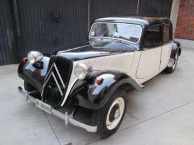 usata Citroën Traction Avant modello 11 b restaurata benzina