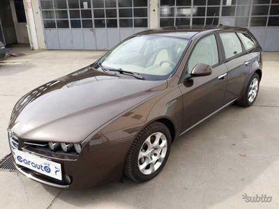 gebraucht Alfa Romeo 159 1.9 JTDm Sportwagon Distinctive